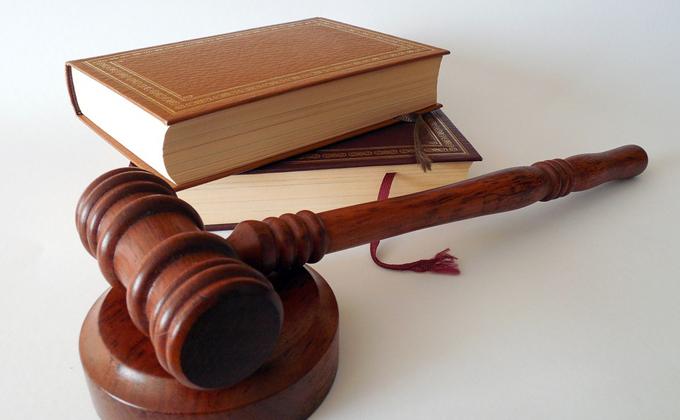 За миллионный ущерб городской казне будут судить жительницу Новосибирска