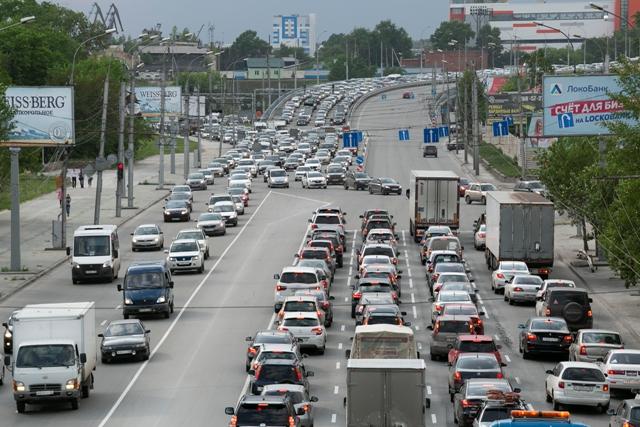 На десятки тысяч машин вырос автопарк Новосибирской области в 2021 году