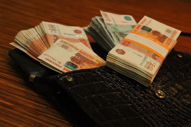 Более миллиарда рублей доходов задекларировали 13 новосибирцев