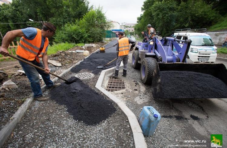 На улицах Фрунзенского района отремонтируют тротуары