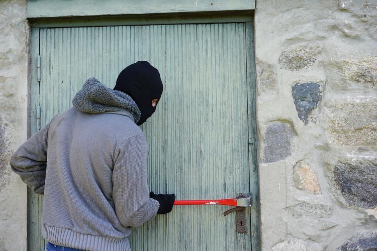Приморцы предупреждают друг друга о квартирных ворах во Владивостоке