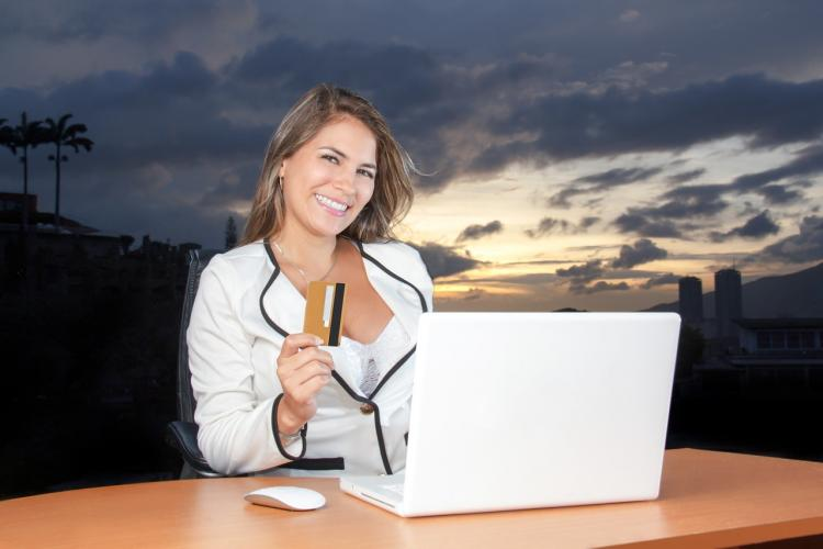 Эксперт рассказал, как обезопасить покупки в интернете