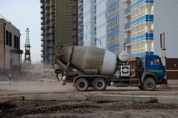 За грунт на дороге строительные компании штрафуют до 100 тысяч рублей