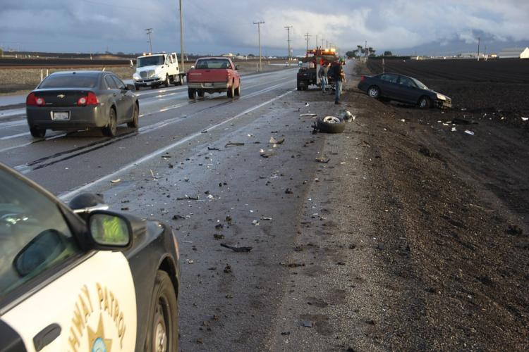 Автомобиль в «хлам»: машина столкнулась с автобусом в Приморье