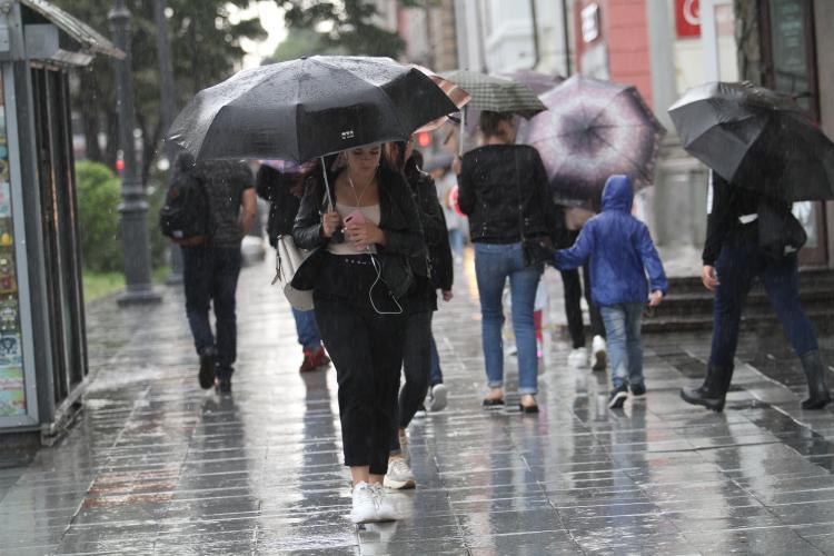 «Рыжий» дождь прошёл во Владивостоке