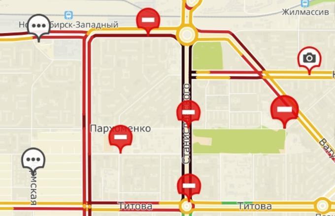 Бегуны против водителей:  пробки в левобережье из-за легкоатлетической эстафеты в Новосибирске
