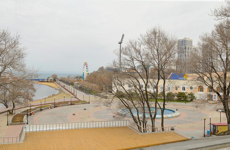 На набережной во Владивостоке выявили опасный детский аттракцион