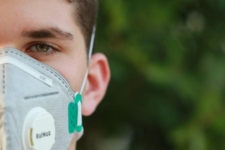 В РФ запатентовали спрей для носа от COVID-19