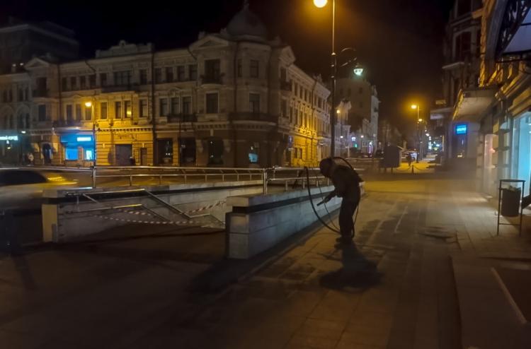 В подземных переходах Владивостока наводят порядок