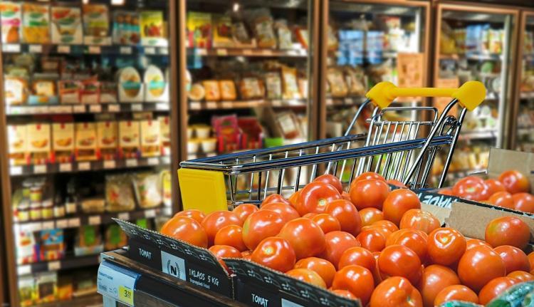 Налетай, подешевело: приморцы в недоумении от ценников в супермаркете