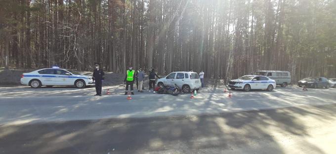 Мужчину на мопеде насмерть сбили в Советском районе Новосибирска