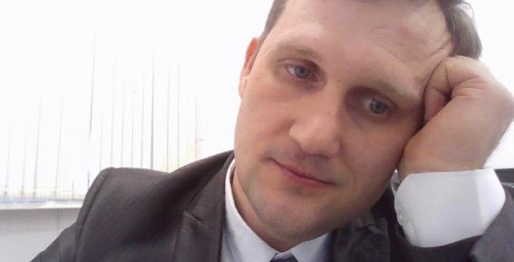 Экономист из НГУ опередил пять тысяч конкурентов и стал финалистом премии «Поэт года»