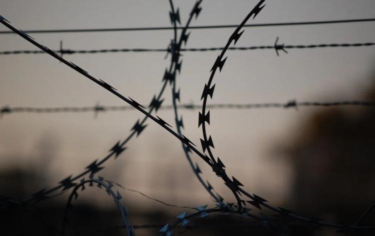 В Приморье сотрудник колонии попался на взятке