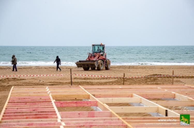 Террасы и пешеходная зона: пляжи Шаморы готовятся к летнему сезону