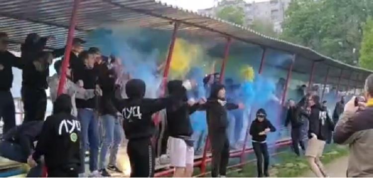 Чемпионат Приморья по футболу начался с массовых беспорядков