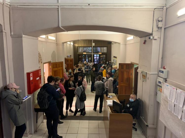 «Самый серьёзный экзамен в мире»: во Владивостоке начался ЕГЭ