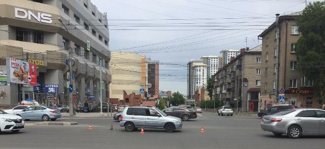 Сбил женщину водитель Mazda на пешеходном переходе в Новосибирске