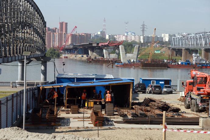 Пилон в виде буквы «Н» четвертого моста строят с опережением в Новосибирске