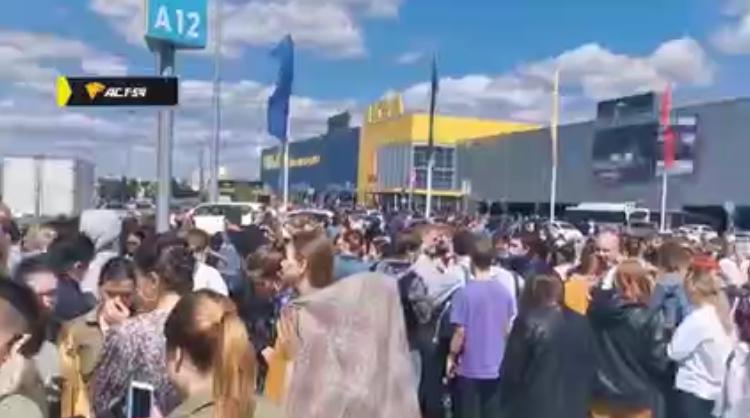 Посетителей ТЦ МЕГА эвакуировали в Новосибирске