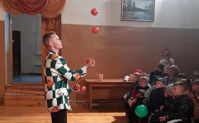 В Новосибирской области стартовала общероссийская акция «Цирк детям села»
