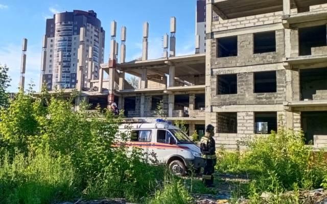 Школьницу раздавило плитой на стройке в Новосибирске