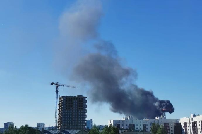 В Новосибирске гремят взрывы: горит АЗС
