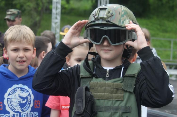 Детей и подростков Владивостока приглашают на «Гвардейские игры»