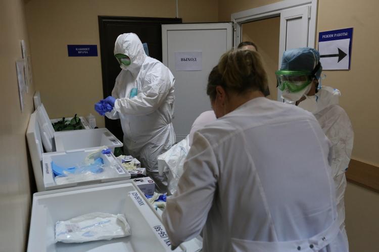 В Приморье АИЦ усиливают работу из-за роста числа заболевших COVID-19