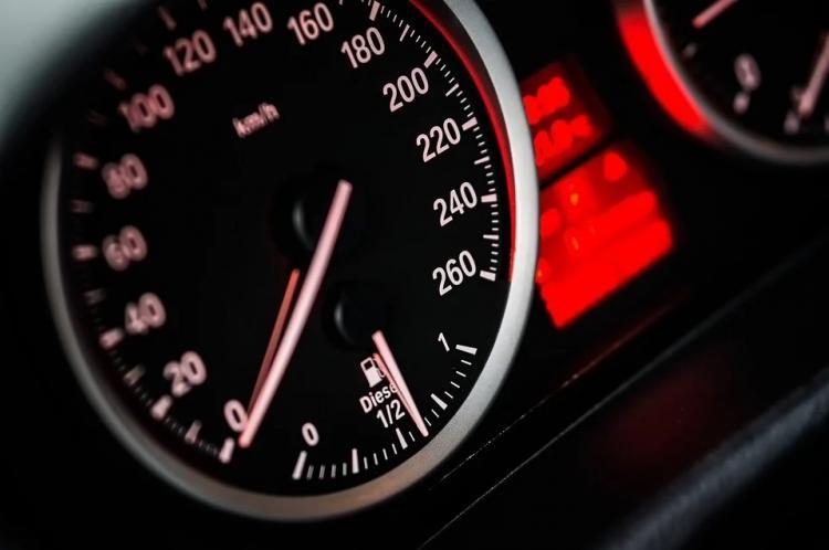 ГИБДД поддержала снижение скорости до 30 км/ч внутри городов