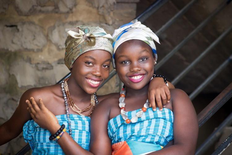 Жителям Африки кололи воду вместо вакцины от ковид