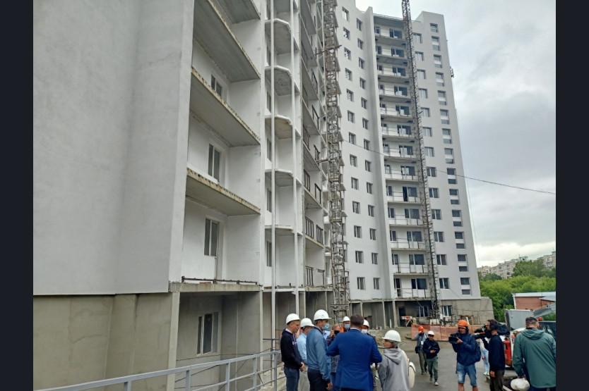 Квартиры получат 156 семей – в Новосибирске завершается строительство долгостроя
