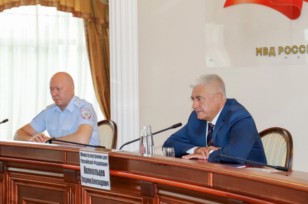 Министр МВД Колокольцев назвал обстановку в Новосибирске «стабильной»
