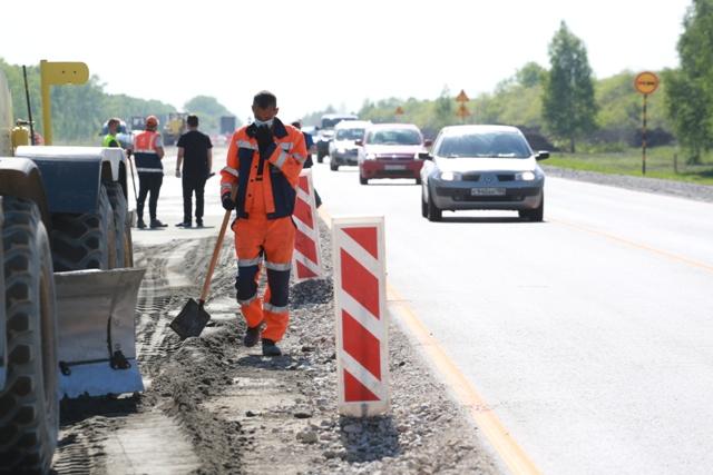 Труд заключенных предложили использовать для ремонта дорог в Новосибирске