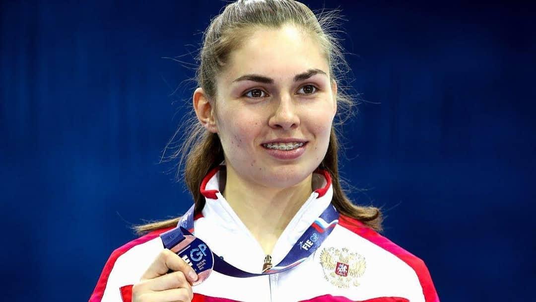 Саблистка София Позднякова завоевала первое золото в Токио для Новосибирска