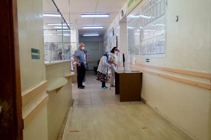 Медицинский десант высадился в Колыванской ЦРБ для борьбы с COVID-19
