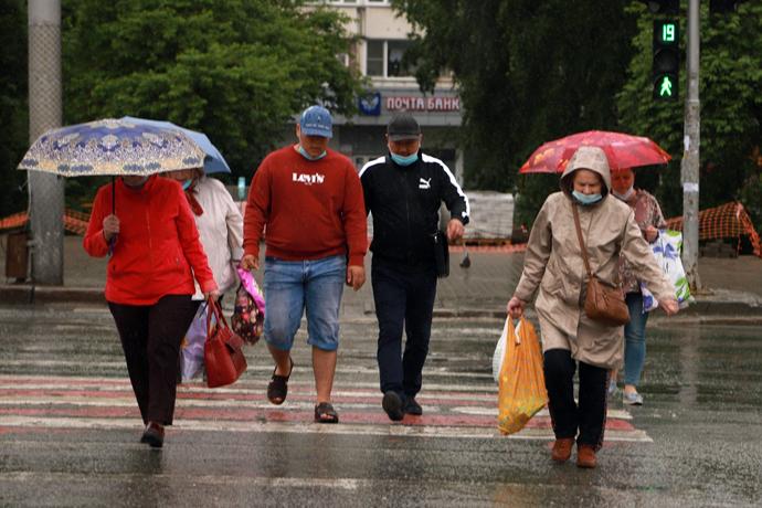 Резкое похолодание, ливни и град накроют четыре региона Сибири