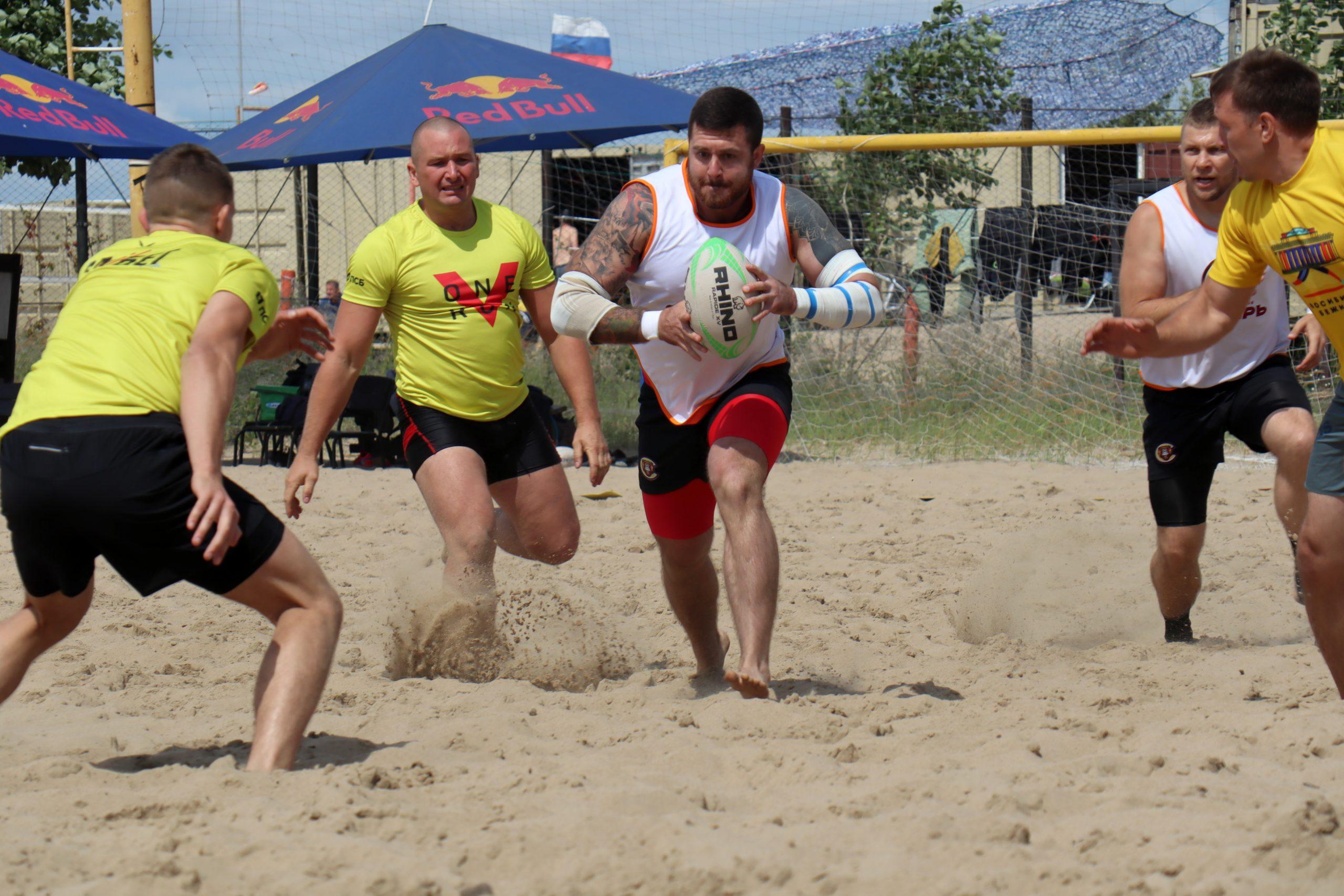 «Играть на песке очень сложно»: Кубок Сибири по пляжному регби разыграли в Новосибирске