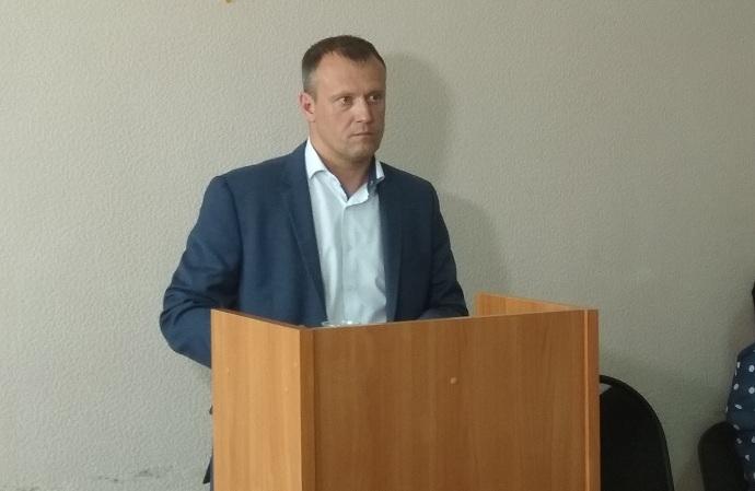 Новым главой рабочего поселка Линево избран Дмитрий Грушевой