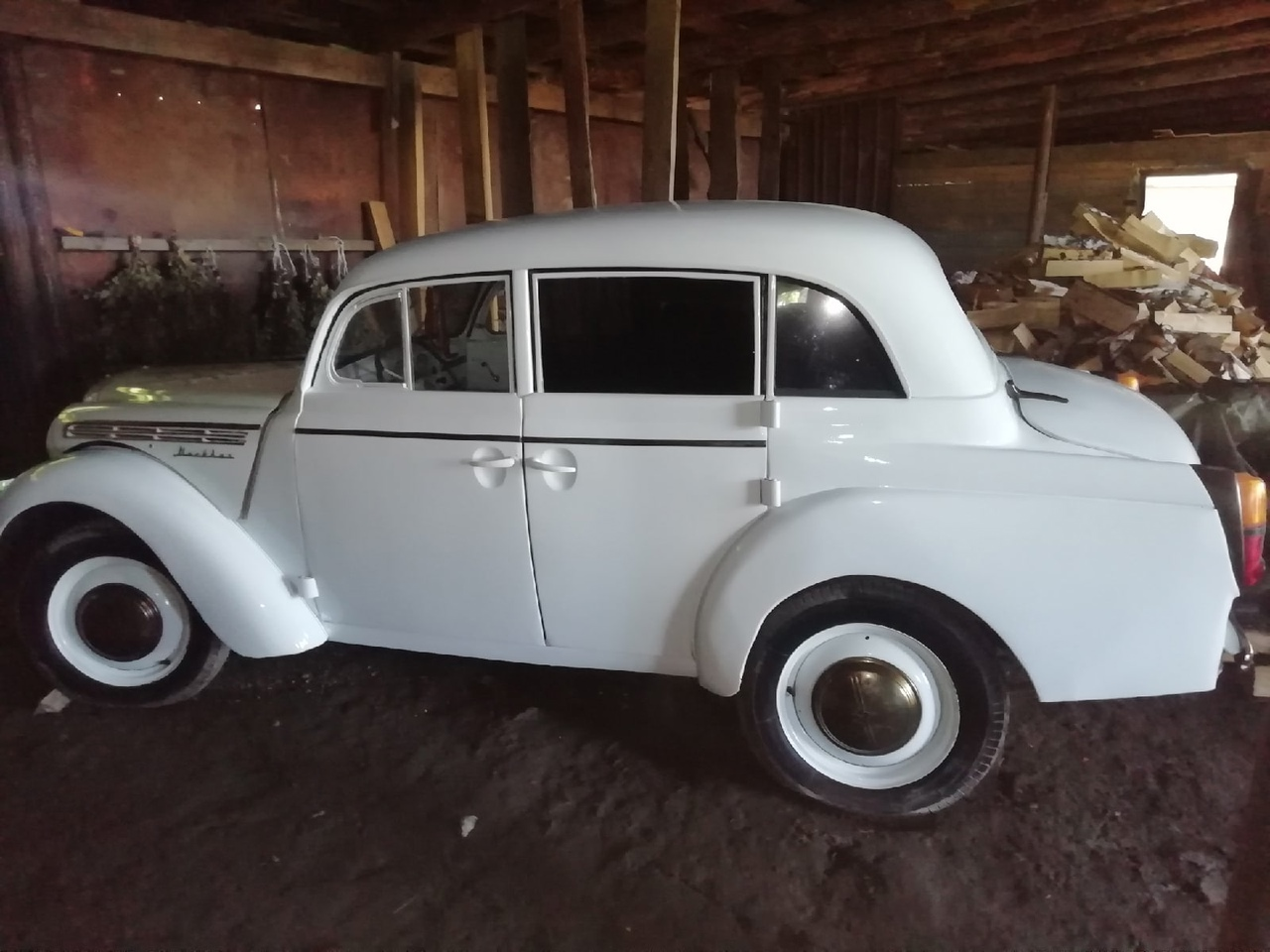 Редкий ретро-автомобиль продает житель Ордынского района