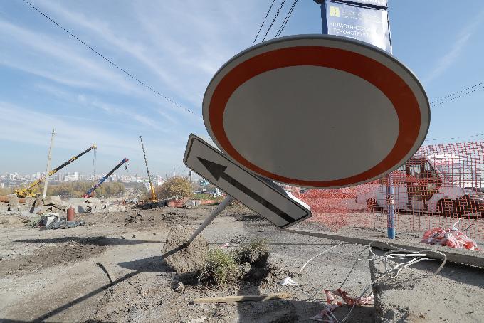 «Стройка есть стройка» — ночной грохот на площади Лыщинского объяснил мэр Новосибирска