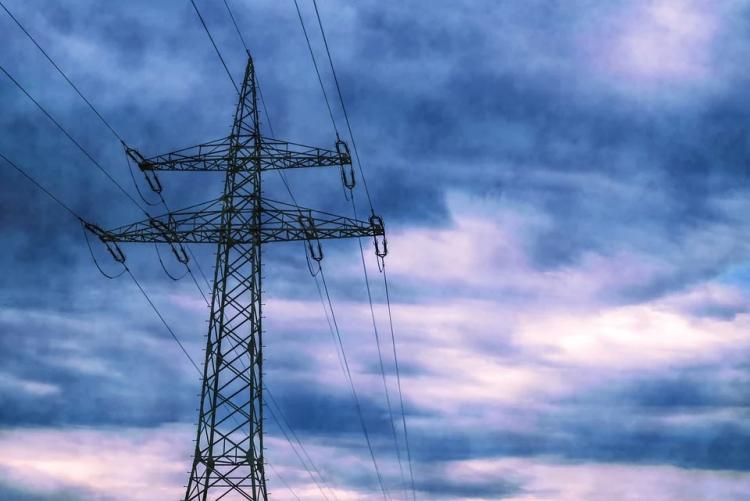 Новую линию электричества проложили во Владивостоке после ледяного дождя