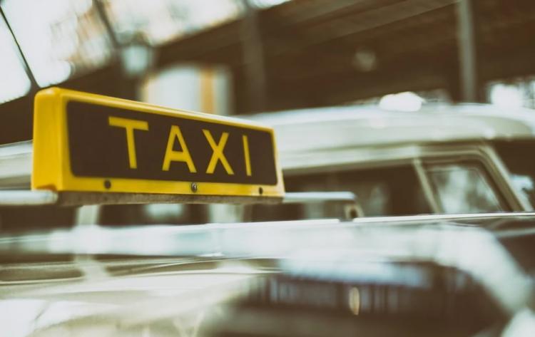 Приморцы с инвалидностью могут воспользоваться услугами «социального такси»