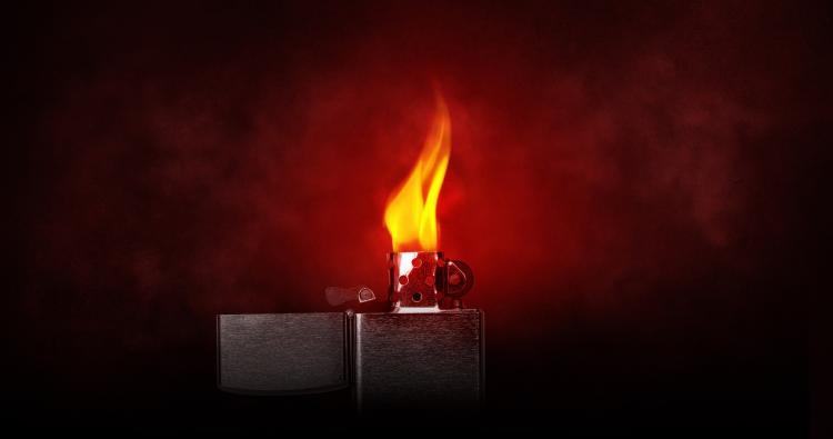 Фирма из Москвы хотела ввезти в Россию 150 тысяч поддельных зажигалок