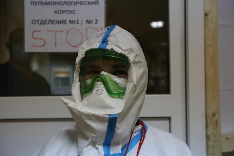 «Дурдом в COVID-центре»: девушка рассказала об очередях в больнице Приморья