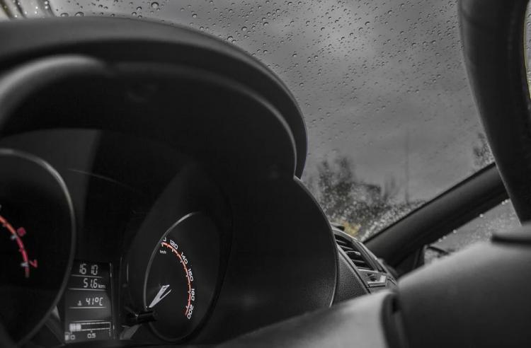 «АвтоВАЗ» приостановит выпуск Lada Granta из-за дефицита электроники