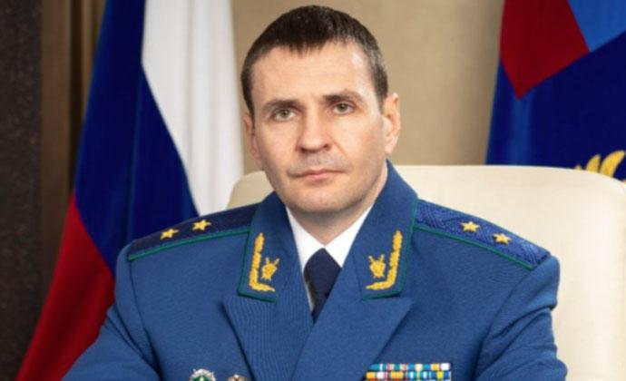 Заместитель генпрокурора России остался недоволен качеством дорог и воздуха в Новосибирске
