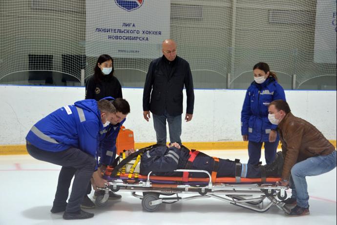 Главный врач МЧМ-2023 по хоккею прибыл в Новосибирск