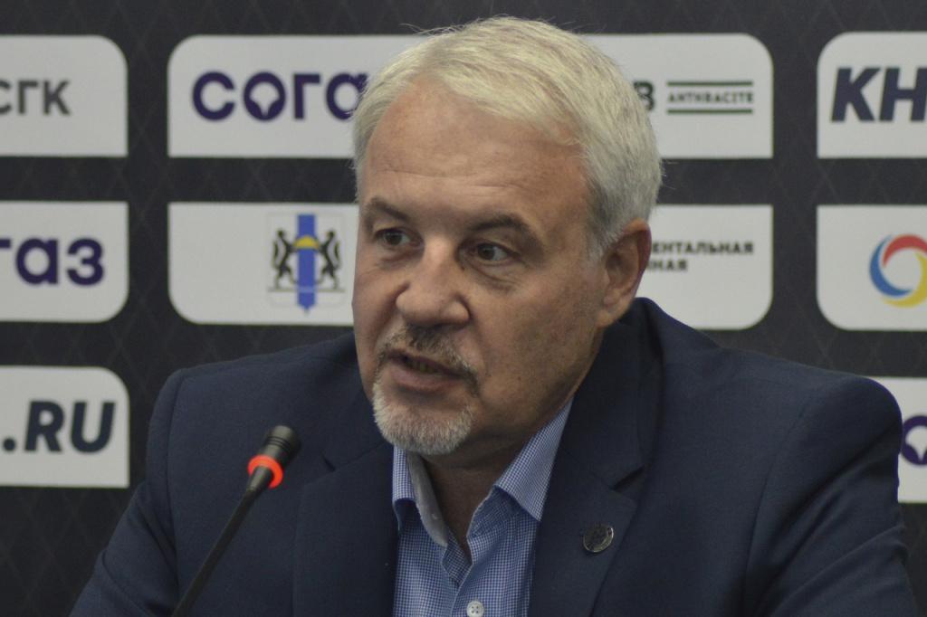 «Команда сейчас без супер-звезд, но полностью рабочая»: главный тренер ХК «Сибирь» о готовности к новому сезону КХЛ 2021/22