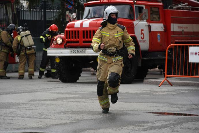 Пятнадцать пожарных машин приехали к Оперному театру – что происходило внутри