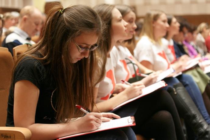 Девушки из Новосибирска стали чаще выбирать профессии для мужчин